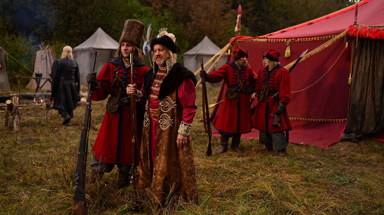 Масові сцени, історичні костюми і їдкий гумор: «Козаки» виходять на екрани